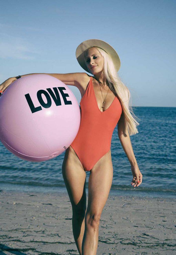 plage bikini sexy français femme